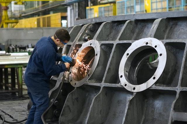 Segni di recupero per l'industria manifatturiera, ma nel 2020 il calo del fatturato sarà a due cifre