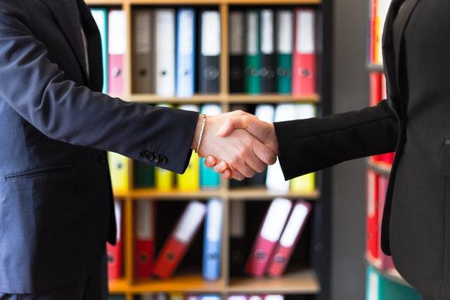 L'arbitrato è sempre più internazionale. Promosso dai legali di impresa: 8 su 10 inseriranno la clausola arbitrale nei prossimi 3 anni