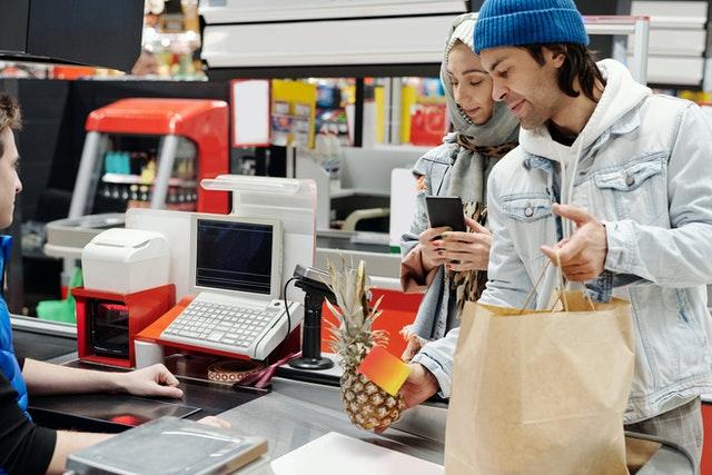 Congiuntura Confcommercio: calo consumi a doppia cifra (-16% a novembre)
