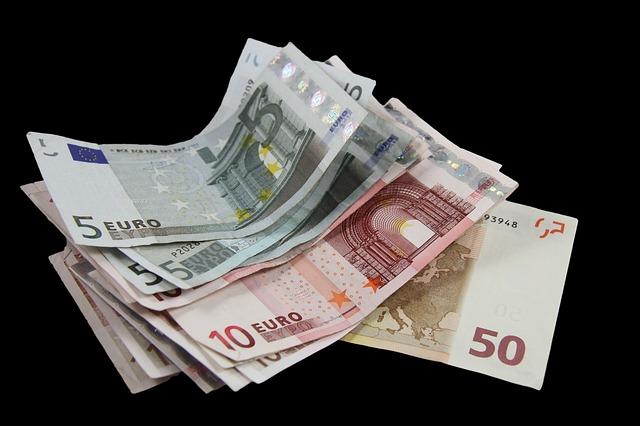 Banche: Unimpresa, per l'Italia la soglia degli arretrati scende dal 5% all'1%