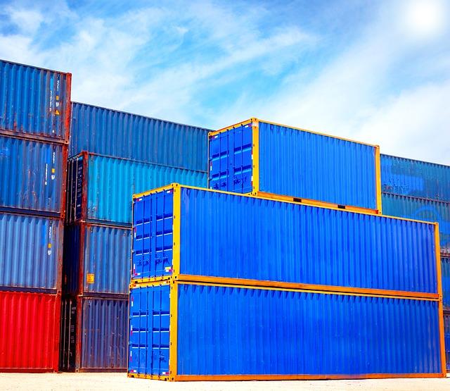 Nel 2020 l'export registra una contrazione del 9,9% (la più ampia dal 2009), l'importa cala del 15,3%