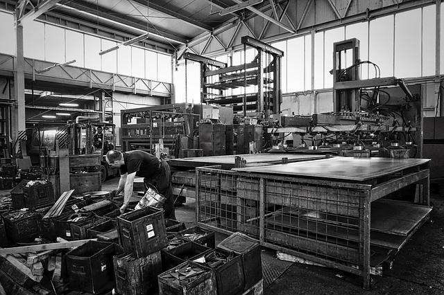 IHS Markit PMI: a dicembre migliorano ulteriormente le condizioni operative del settore manifatturiero italiano
