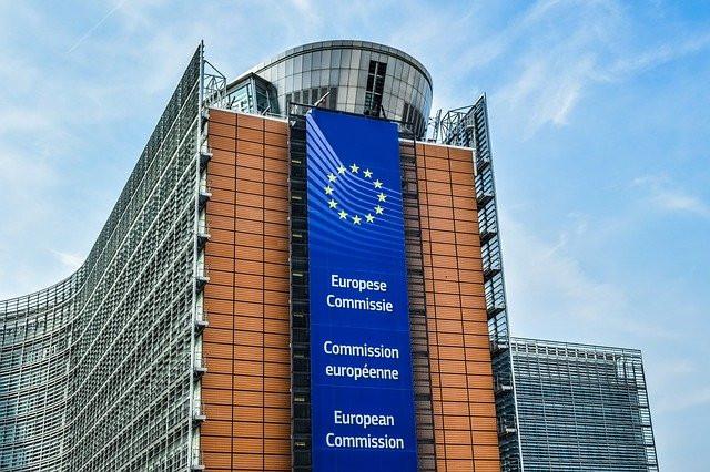 Previsioni economiche d'inverno 2021: nonostante un inverno irto di difficoltà, la Commissione europea intravede una luce in fondo al tunnel