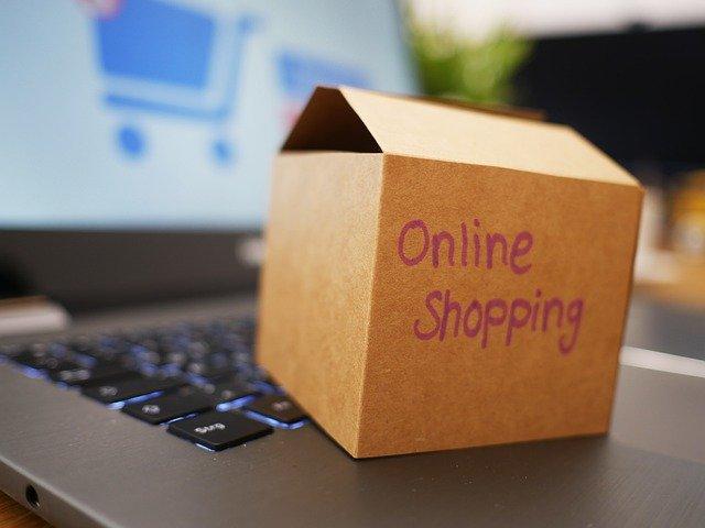 Shopping online: in Italia spedizioni in aumento a gennaio 2021