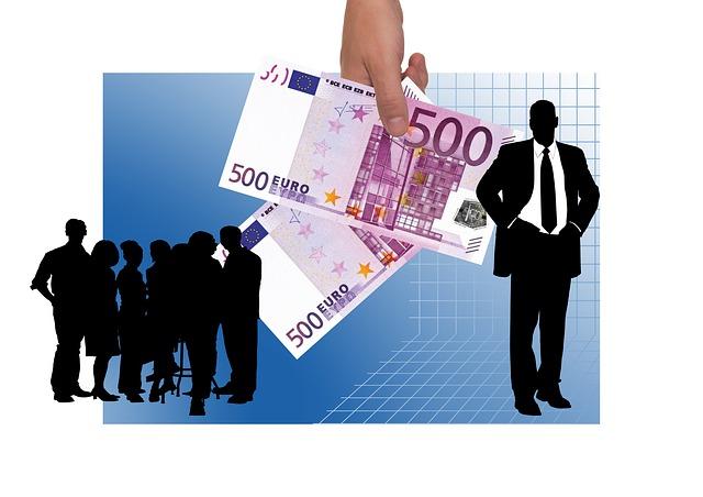 Istat: la retribuzione oraria media è di 15,8 euro, 15,2 euro per le donne, 16,2 per gli uomini
