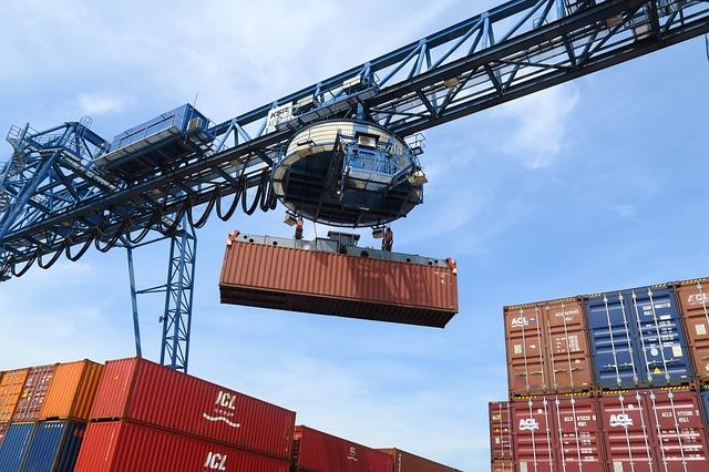 Risale l'export lombardo: -2,3% nell'ultimo trimestre del 2020 e un bilancio in linea con i grandi poli manifatturieri europei
