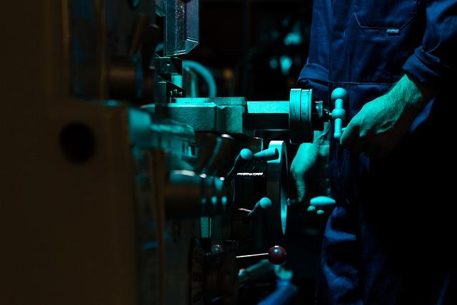 A gennaio incremento congiunturale della produzione industriale che consolida la lieve crescita del mese precedente