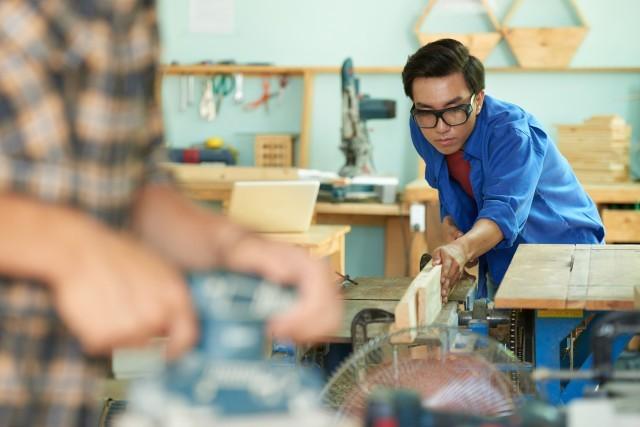 STUDI CONFARTIGIANATO – Nella crisi del lavoro più dura per i giovani, segnali di tenuta dell'apprendistato, più decisi nel Mezzogiorno