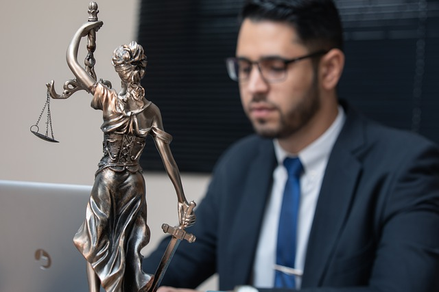 Rapporto Censis sull'avvocatura: in difficoltà 7 professionisti su 10