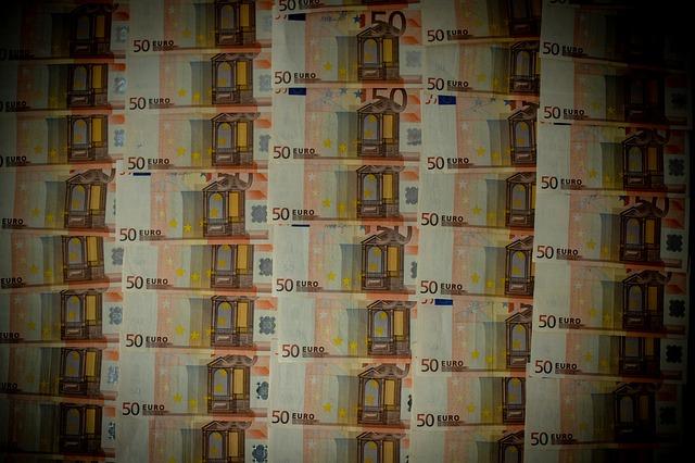 Banche: Unimpresa, cartello sui tassi dei prestiti, interessi alle stelle