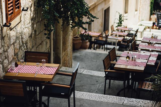 """Riaperture: Confesercenti – SWG, """"Flop del 'solo all'aperto' per bar e ristoranti"""