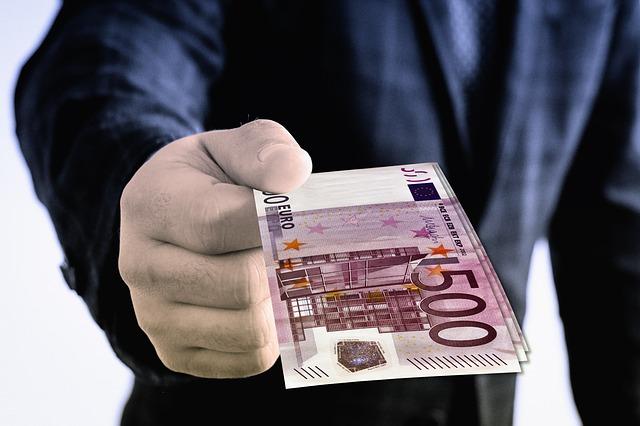 Banche: Unimpresa, nonostante le garanzie, prestiti alle aziende su di soli 20 miliardi negli ultimi 12 mesi