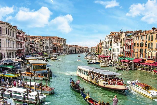 Turismo: Unimpresa, nel 2020 crollata di 27 miliardi la spesa degli stranieri