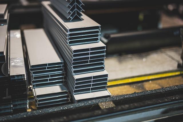 Confartigianato – Allarme rincari delle materie prime: costano 19,2 mld/anno alle piccole imprese. Ripresa a rischio