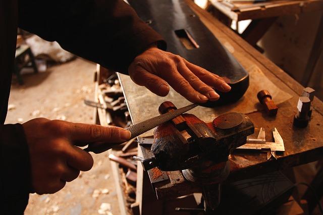 Artigiani: sempre meno i giovani imprenditori. Su i titolari over 70 (+47%) giù gli under 30 ( -42%) in dieci anni