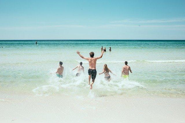 Estate 2021: Assoturismo-CST, il turismo riparte dall'estate ma i livelli pre-covid restano lontani