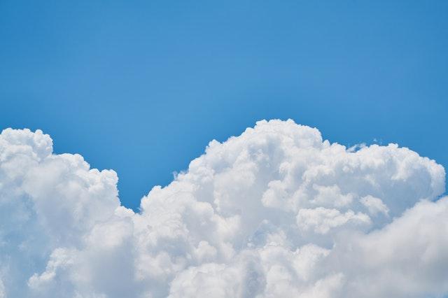La testa tra le nuvole: valutare la promessa del Database-as-a-Service