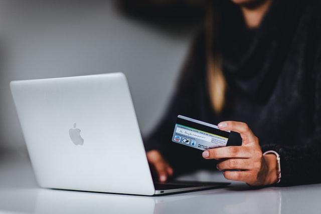 Salesforce Q2 Shopping Index: il commercio digitale globale rallenta ma continua a crescere, +3% nel secondo trimestre 2021 rispetto al 2020