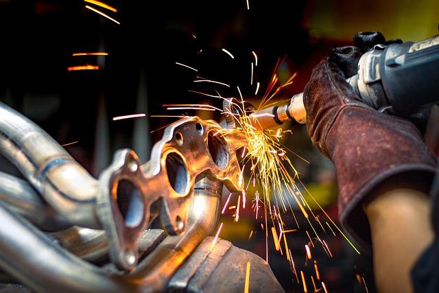 Confindustria: la produzione industriale recupera in giugno (+1,3%) dopo il calo di maggio (-1,5%). Attese ancora favorevoli