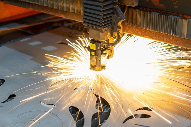 IHS Markit PMI: a luglio la crescita del settore manifatturiero italiano rimane ad un livello quasi record anche se rallenta lo slancio