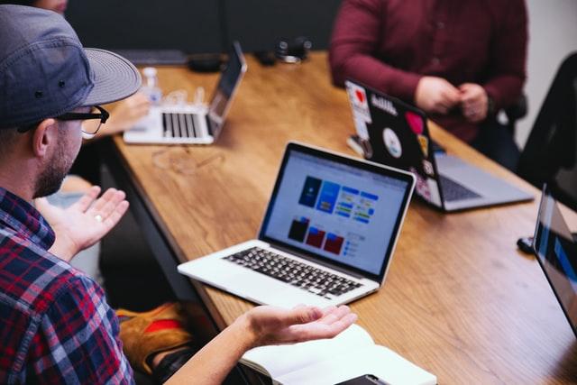 Startup innovative senza notaio: restano validi gli atti costituiti fin ad oggi in modalità digitale