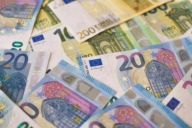 Continua la ripresa del credito italiano a luglio: dati positivi secondo l'ultima analisi di Experian