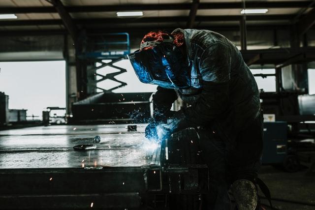 A giugno torna a crescere la produzione industriale