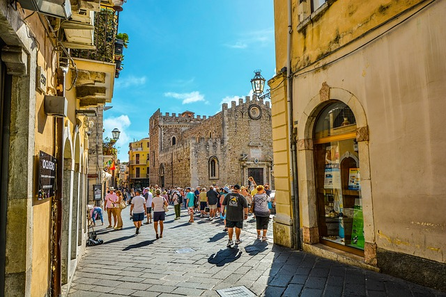 Turismo: Assoturismo-CST, accelera a Ferragosto, prenotato l'89,6% della disponibilità on line