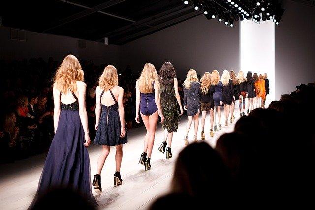 La moda c'è: insieme alle sfilate in presenza torna a crescere anche l'export