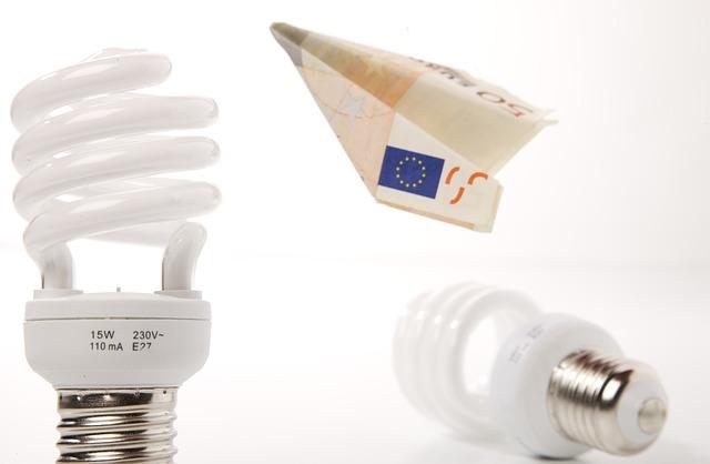 Aumenti shock delle bollette per le imprese: da ottobre elettricità + 42%, gas +38%