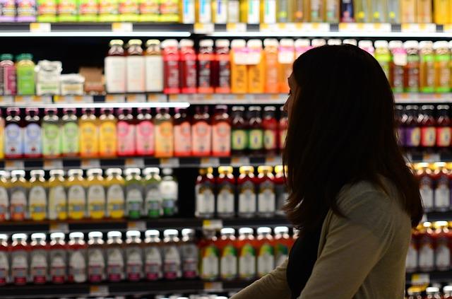 Congiuntura Confcommercio: consumi in recupero, ma autunno pieno di incognite