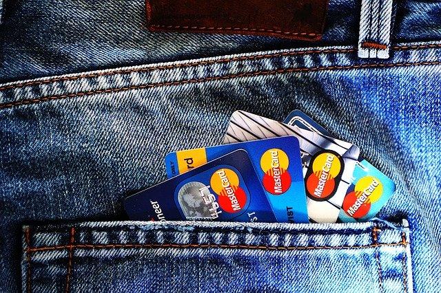 Effetto Cashback: nei primi sei mesi del 2021 i pagamenti digitali in Italia tornano a crescere del +23%, raggiungendo i 145,6 miliardi di euro