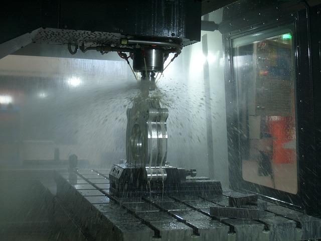 Centro Studi Confindustria: si ferma la salita della produzione industriale in agosto (-0,2%) e settembre (-0,3%). Rimangono positive le prospettive