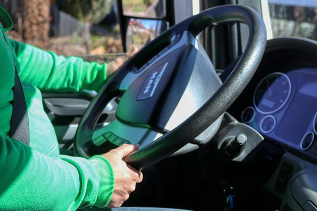 Carenza autisti, Focus di Confartigianato Trasporti: sale la domanda di lavoro, ma il 40,9% del personale non si trova